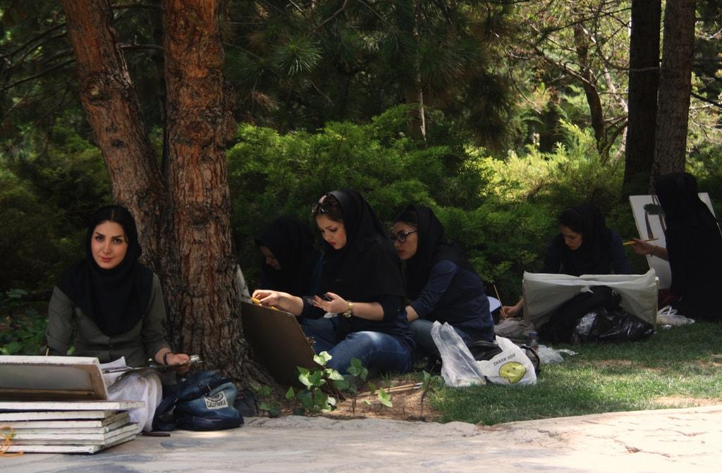 Art students in Esfahan   © Blondinrikard Fröberg / Flickr