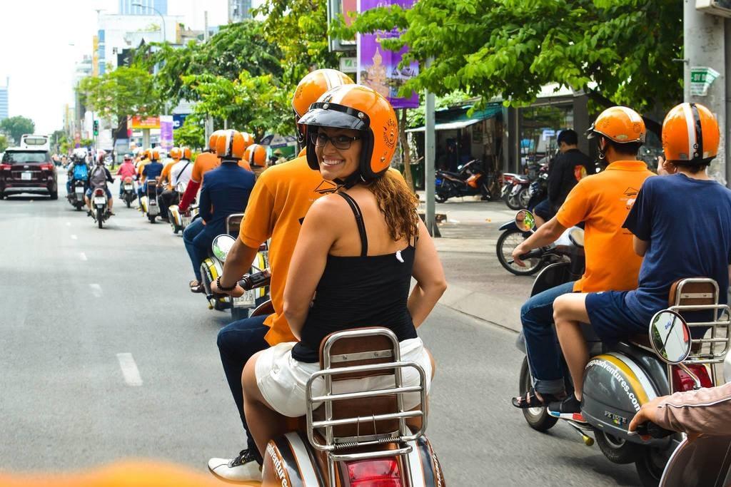 Group tour | © Vietnam Vespa Adventures/Facebook