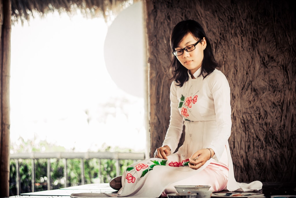 Modern take on the traditional Ao Dai | © Trần Sơn Hải/Flickr