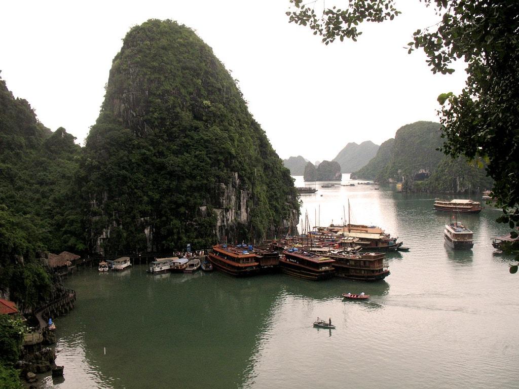 Ha Long Bay | © rapidacid/Flickr
