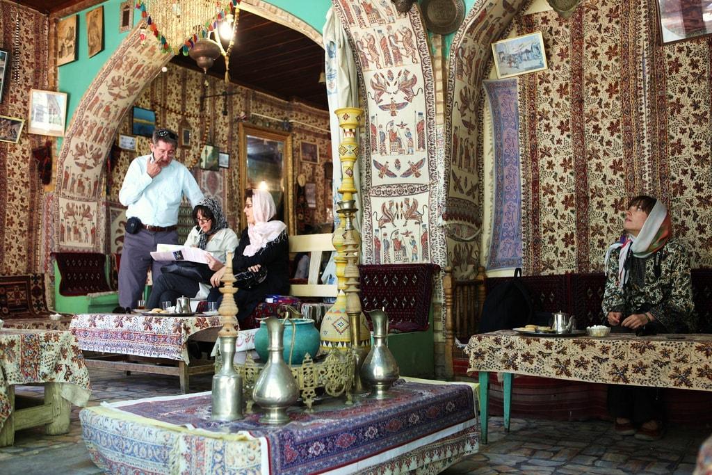 Teahouse in Esfahan   © Ninara / Flickr