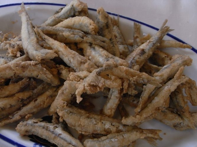 Fried anchovies | © Javier Lastras / Flickr