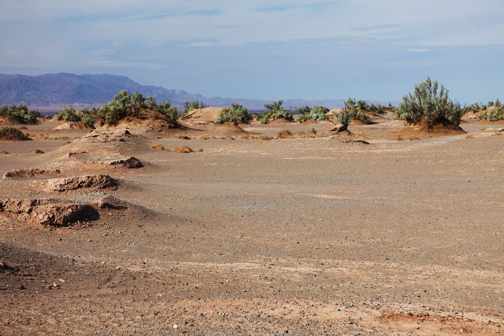 Holes seen from the surface are qanat | © Ninara / Flickr