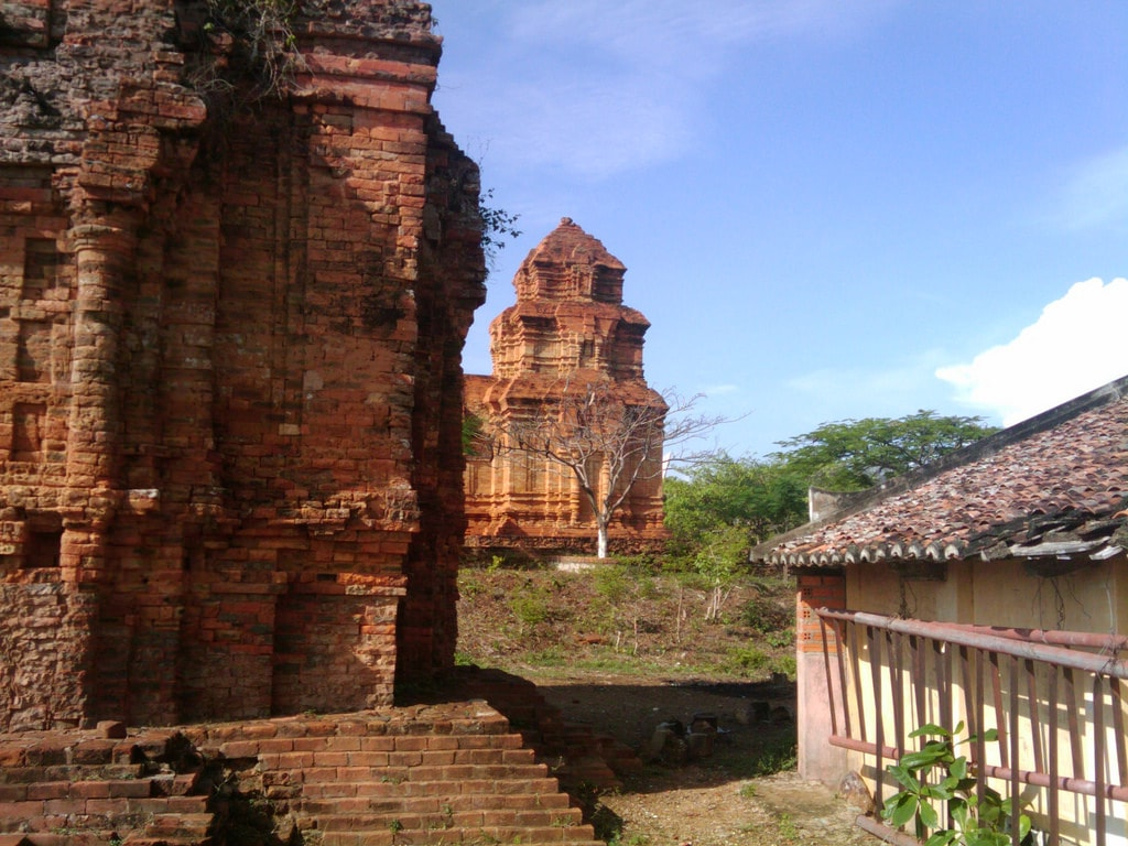 Cham ruins | © Leigh Blackall/Flickr