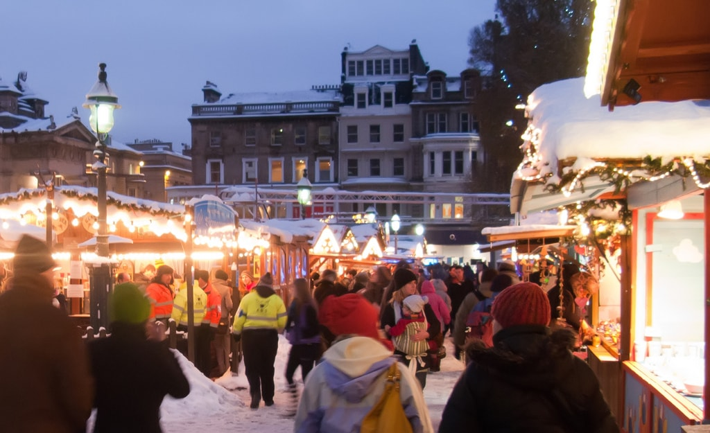 Edinburgh Christmas Market   © Tony Austin / Flickr