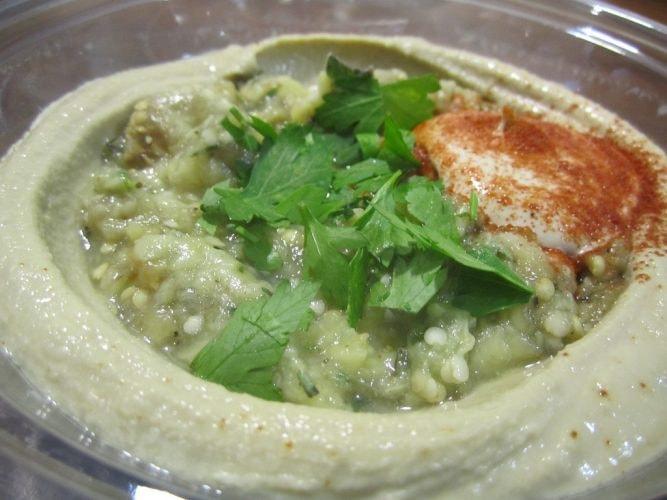 Lunch thanks to Hummus Bros | © Annie Mole/Flickr