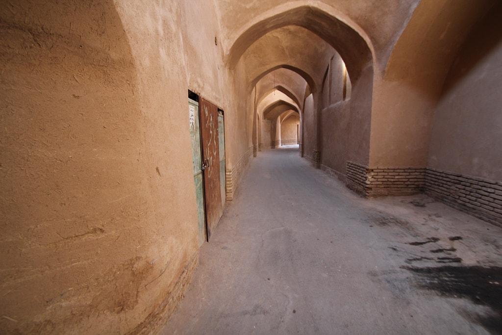 Walkway in Yazd | © reibai / Flickr