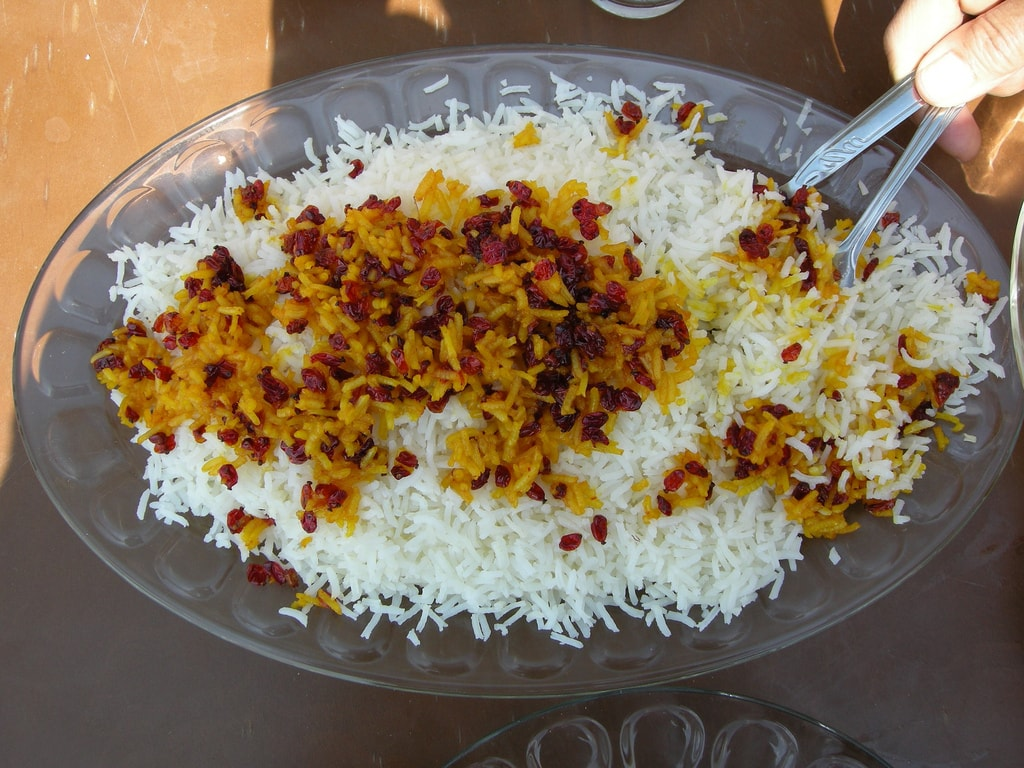 Persian rice topped with saffron and barberries | © Meine Wanderlust / Flickr