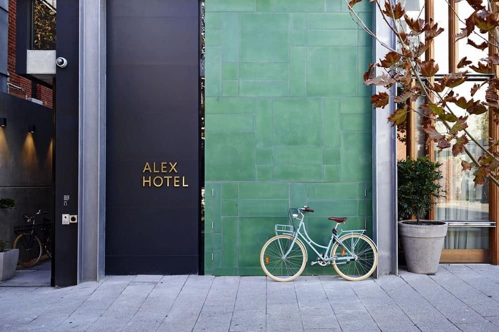 Alex Hotel exterior | © Courtesy of Hotels.com