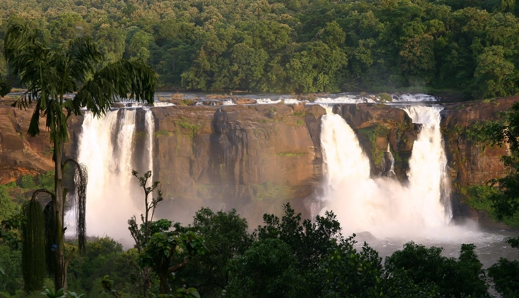 Athirapilly_waterfalls_