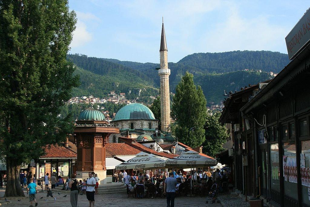 Baščaršija,_Sarajevo_71000,_Bosnia_and_Herzegovina_-_panoramio_(1)