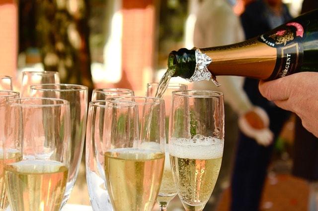 champagne-2407247_640