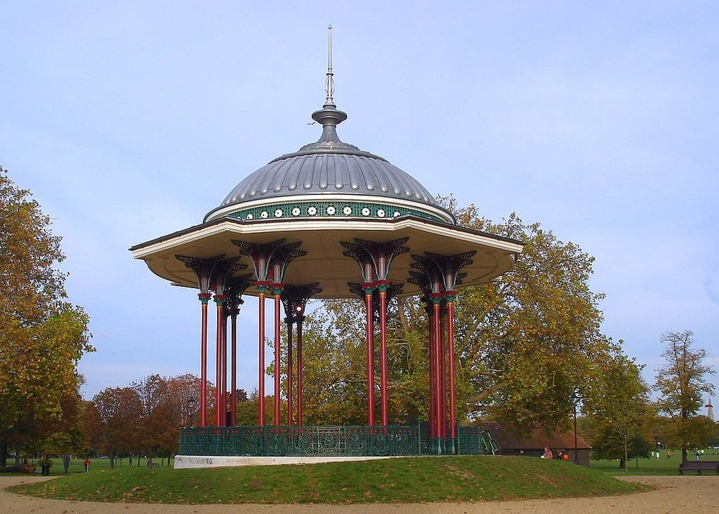Clapham_Common_bandstand