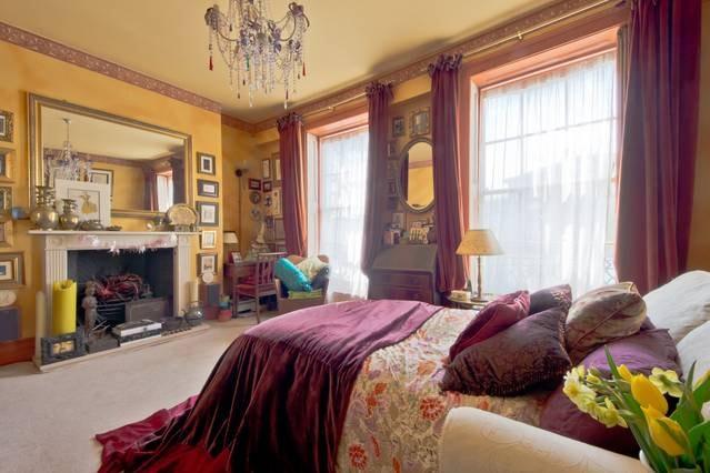 Comfy Artist's Home