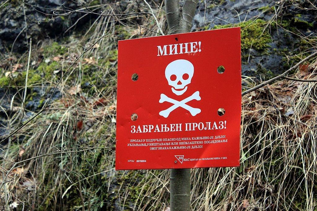 Mine Warning | © Julian Nitzsche/WikiCommons