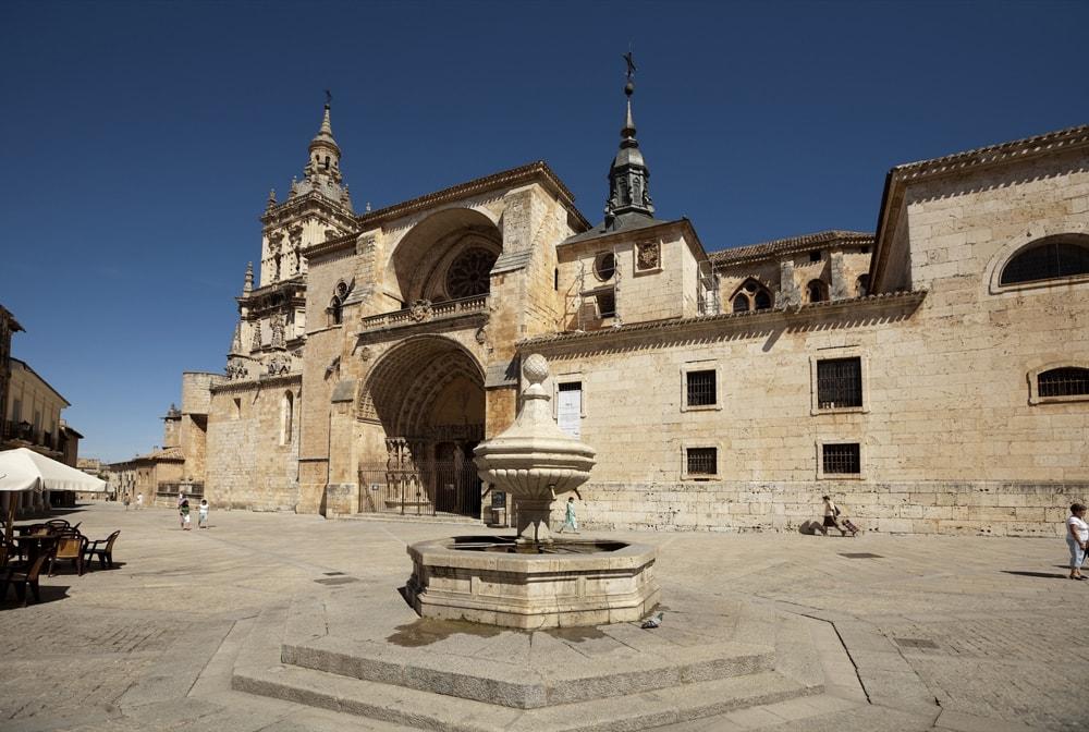 Catedral de la Asunción de El Burgo de Osma, Soria | ©PMRMaeyaert / Wikimedia Commons