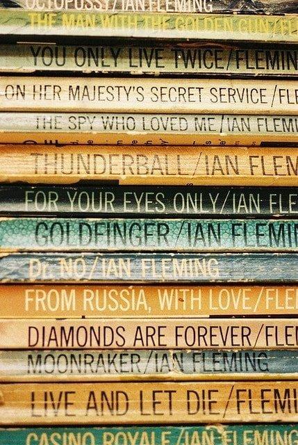 Fleming's_paperback_Bonds