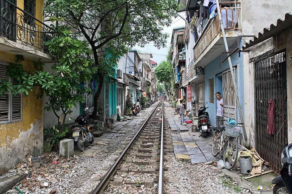 Train Street in Hanoi | © Ekrem Canli/WikiCommons