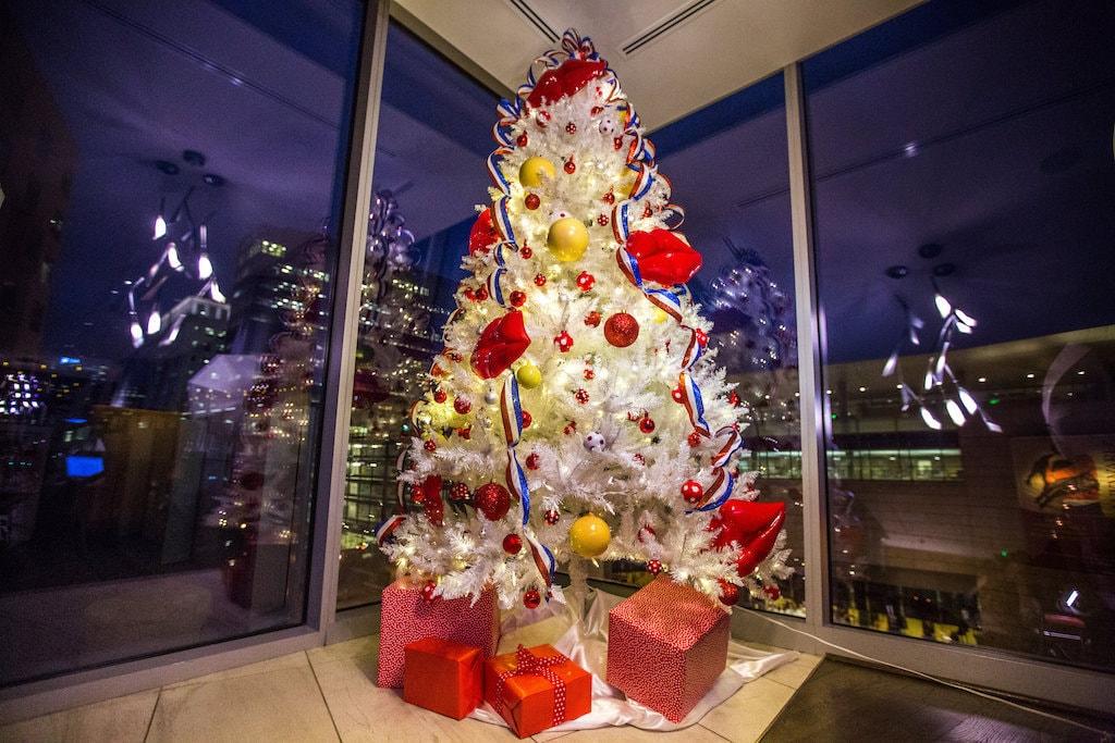 The Roy Lichtenstein tree | Courtesy of the ART, a hotel.