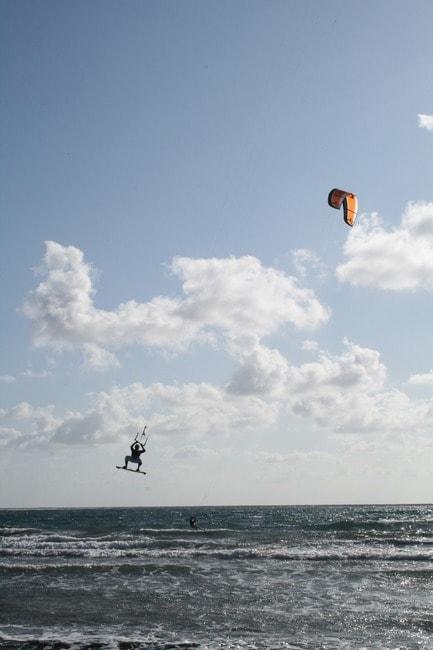 kite-surfing-1553938_1920