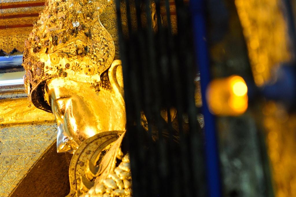 Mahamyatmuni-Buddha-Statue-Mandalay