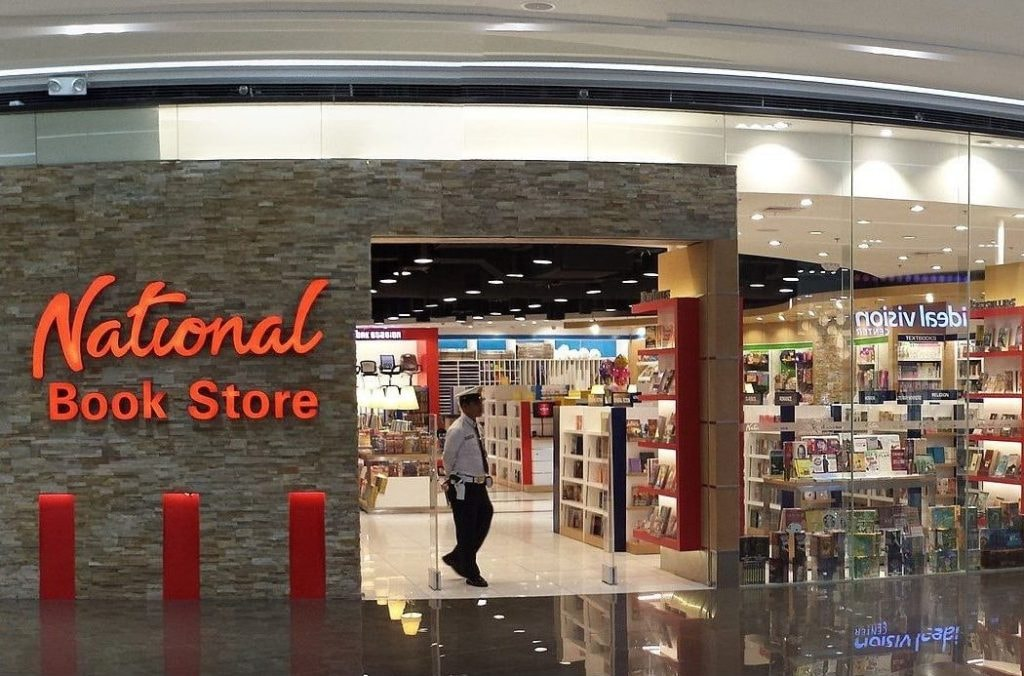 National_Book_Store_in_SM_Aura