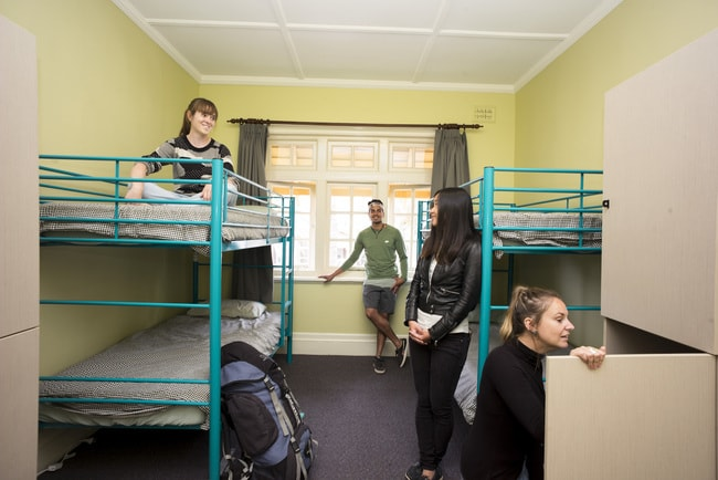 Newcastle Beach YHA_4 share Room_YHA (4)