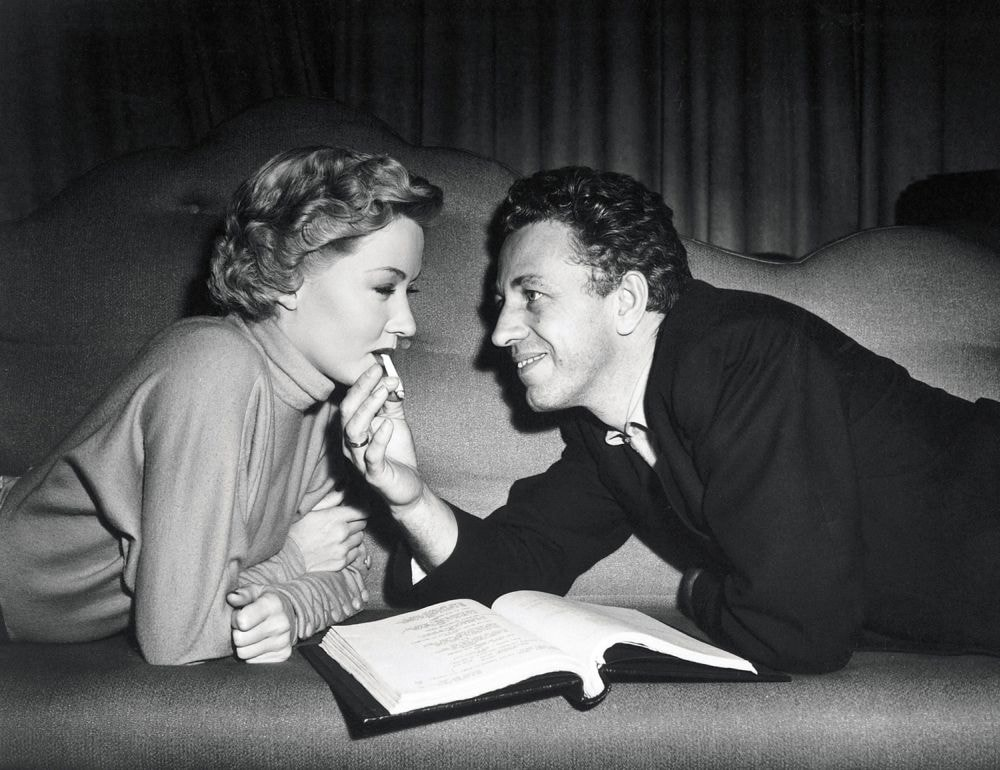 IN A LONELY PLACE (1950) - GRAHAME, GLORIA - RAY, NICHOLAS
