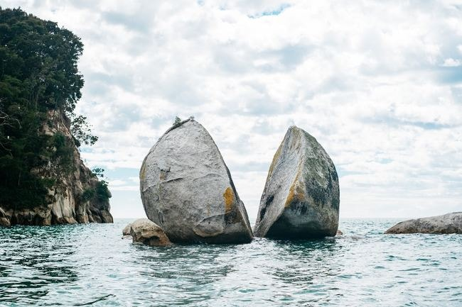 Split Apple Rock, New Zealand | © Pablo Heimplatz / Unsplash