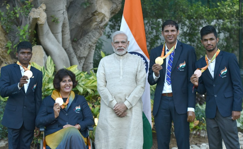 Prime_Minister_Narendra_Modi_with_the_medal_winners_of_the_Rio_2016_Paralympics_(29311262974)