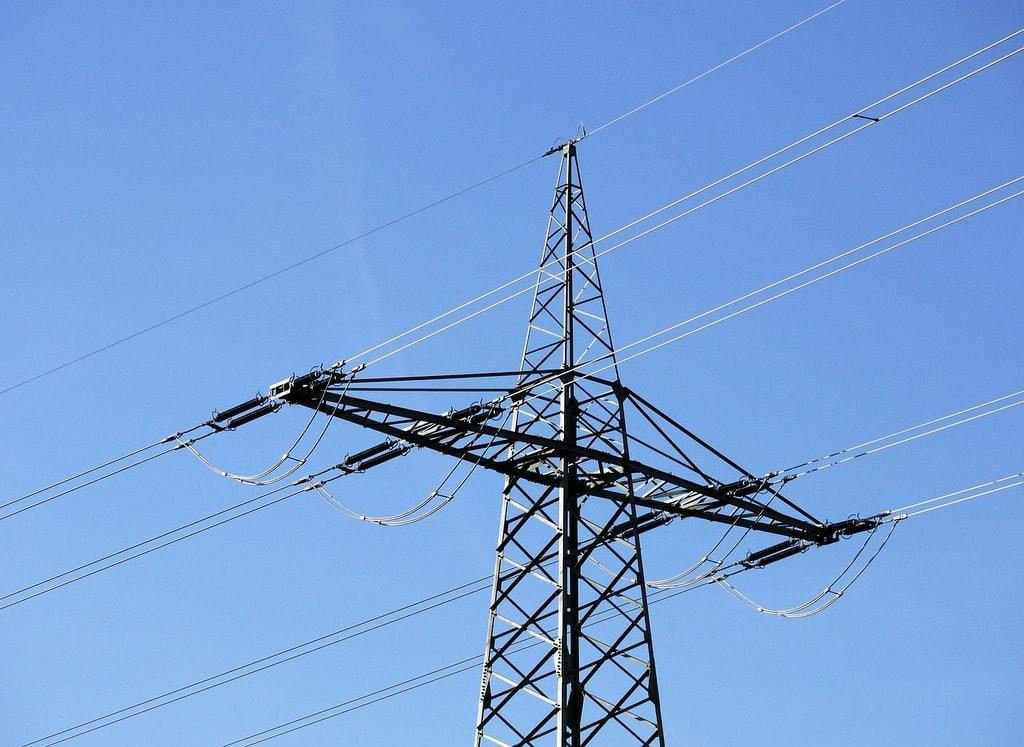 railway-power-line-2975355_1280