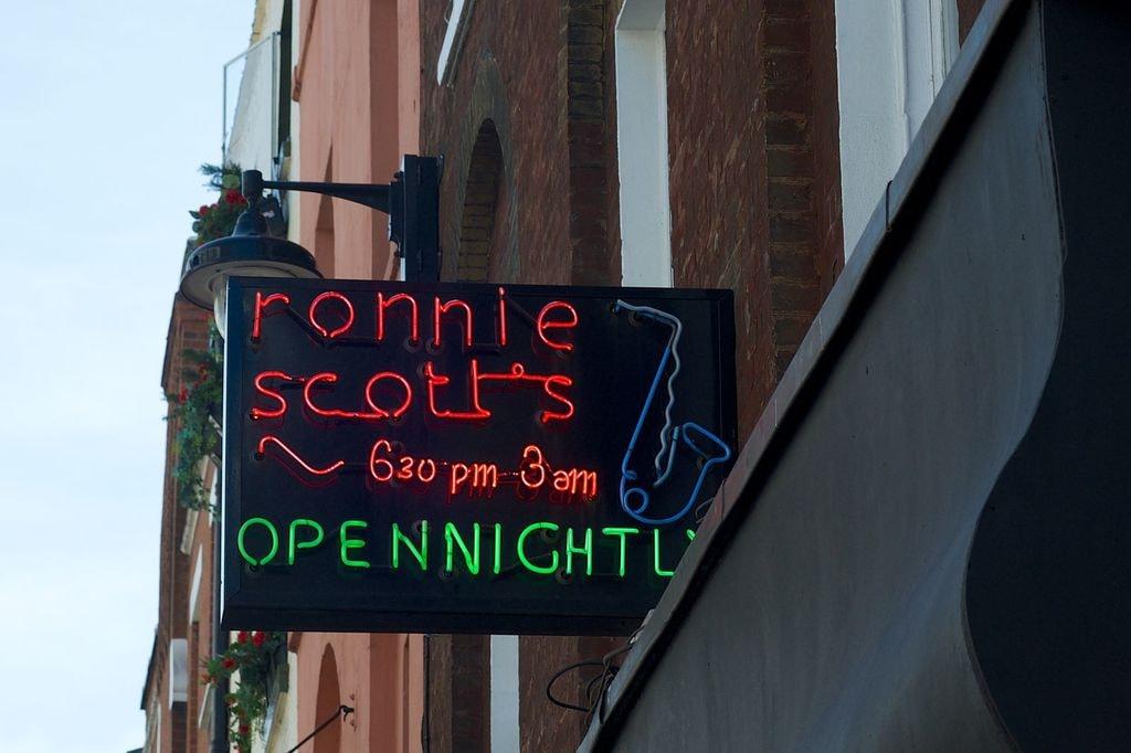 Ronnie_Scotts_Jazz_Club_sign