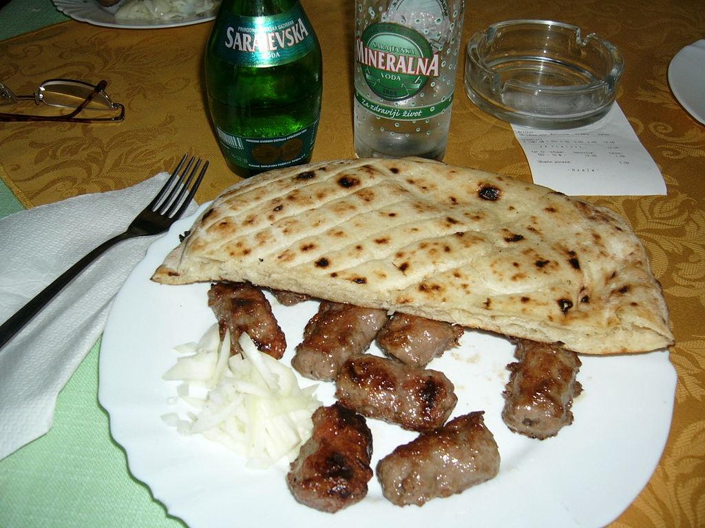 Sarajevo_Ćevapi_(1)