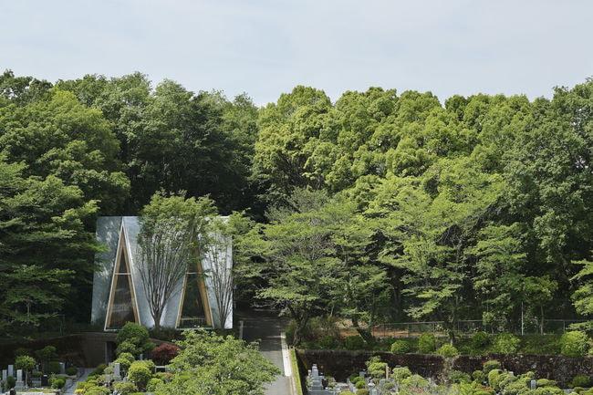 Sayama Forest Sayama Forest Chapel, Tokorozawa, Saitama, Japa_ Courtesy of Hiroshi Nakamura & NAP_ 2014 © Koji Fujii
