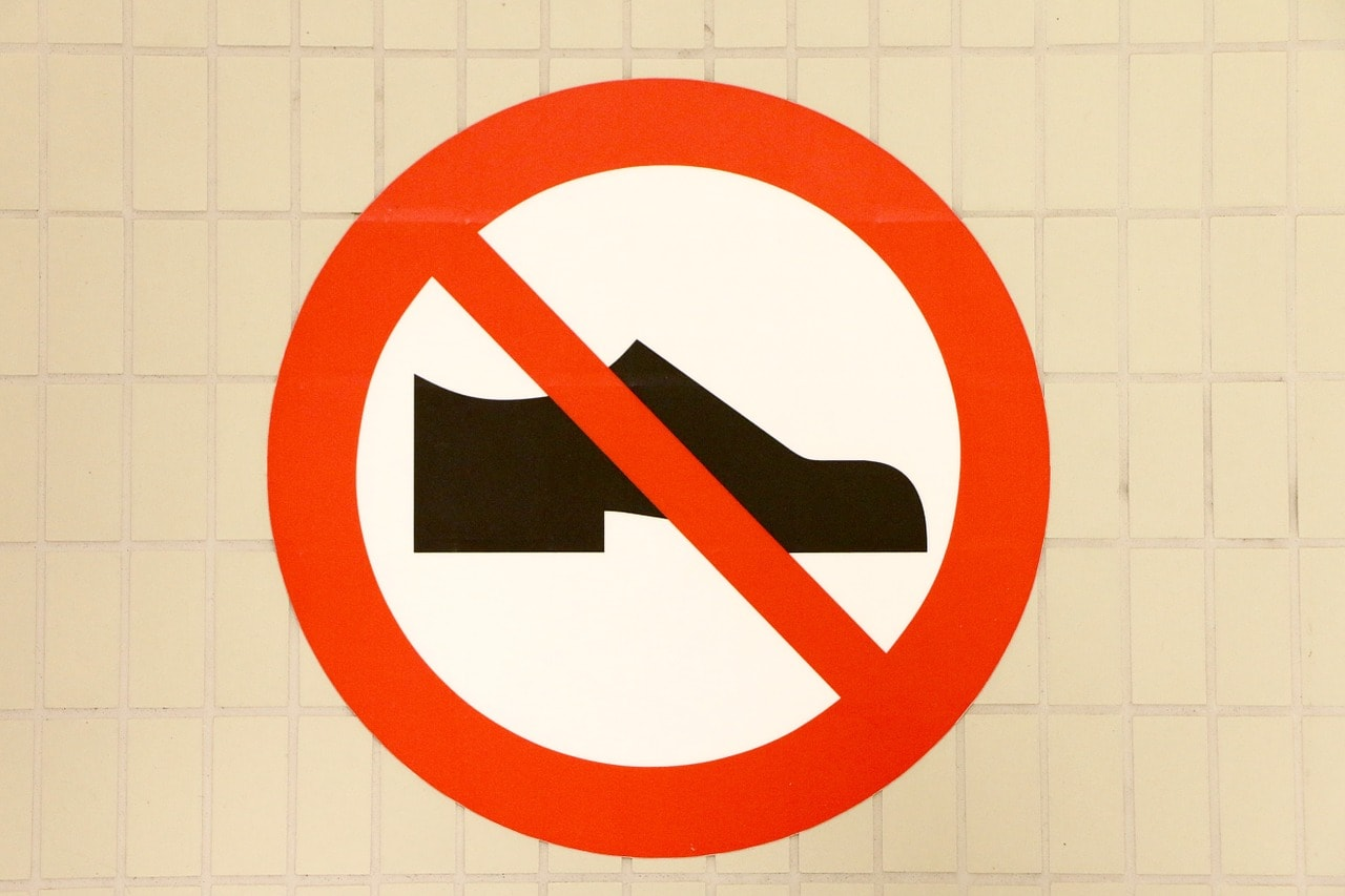 shoes-898729_1280