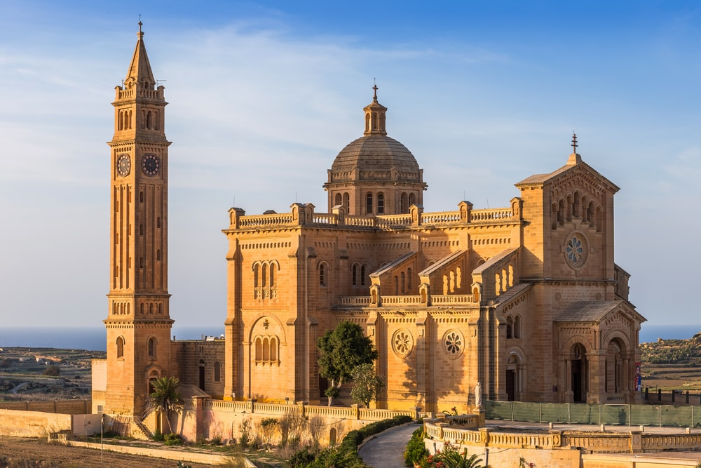 The Basilica of the National Shrine of the Blessed Virgin of Ta' Pinu, Malta | © Zoltan Gabor/Shutterstock