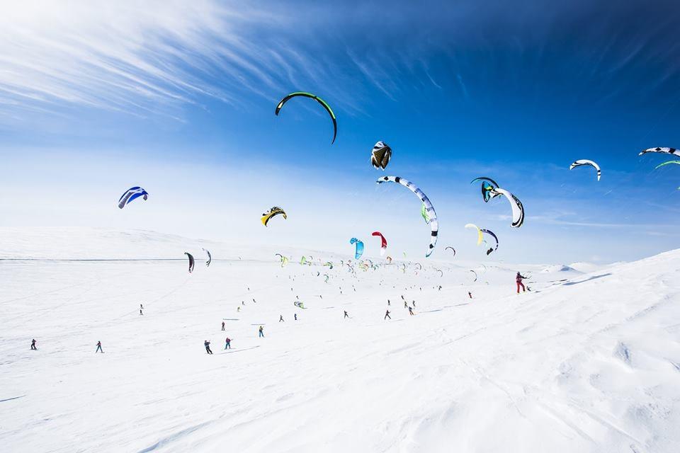Snowkiting during Red Bull Ragnarok | Courtesy of Haugastøl