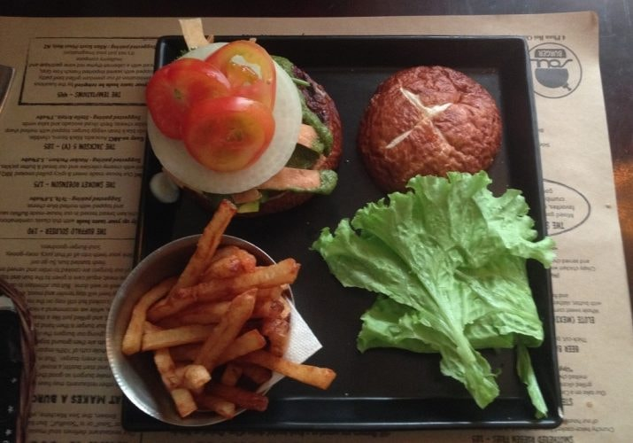 A delicious Soul Burger | © Sam Roth