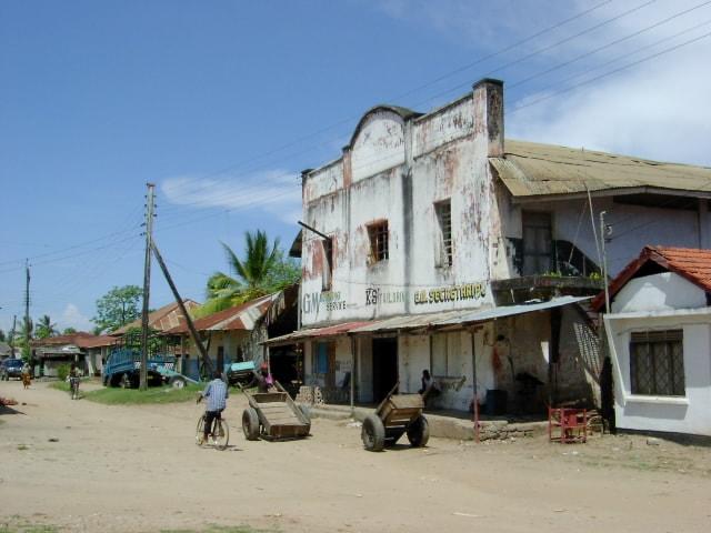 Street in Pangani, Tanzania | © Vincent van Zeijst/wikicommons