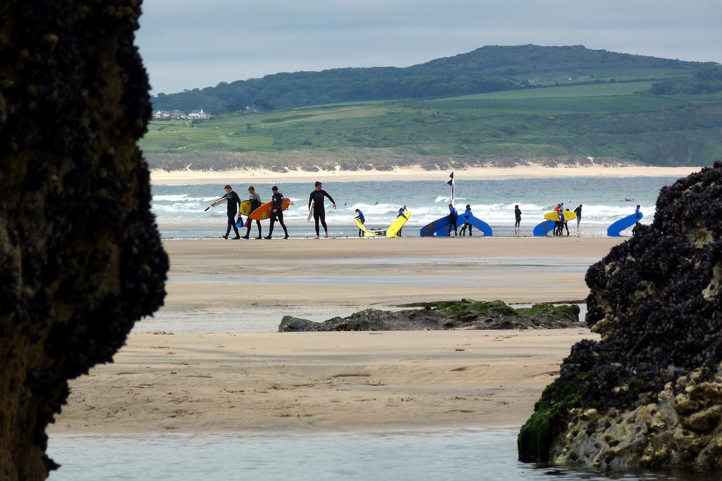 Surfers in Cornwall | © Jim Champion Flickr