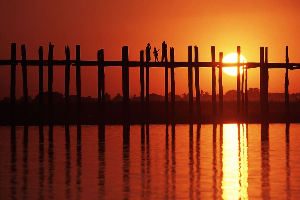 u-bein-teak-bridge-at-sunset