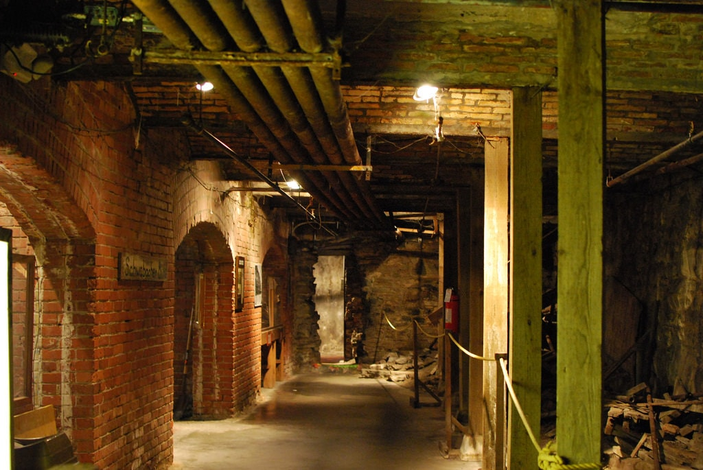 Underground Corridor | © Karen Neoh / Flickr
