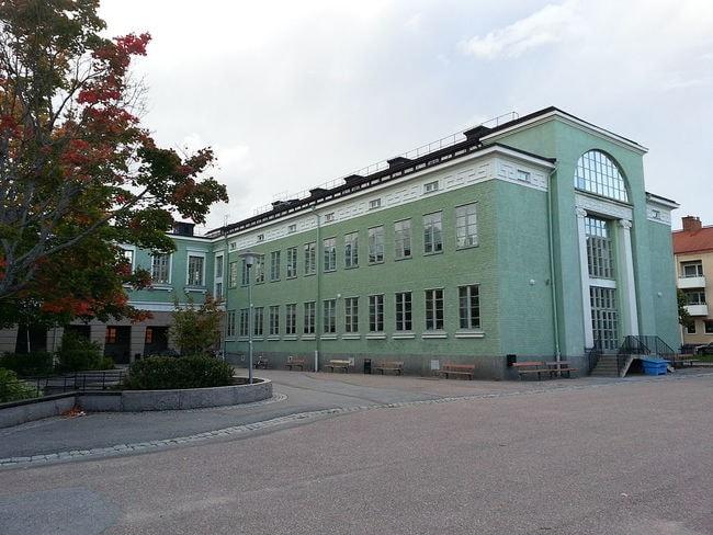 Vaksalaskolan_(Fålhagen_12-1)_2012-09-20_18-07-03