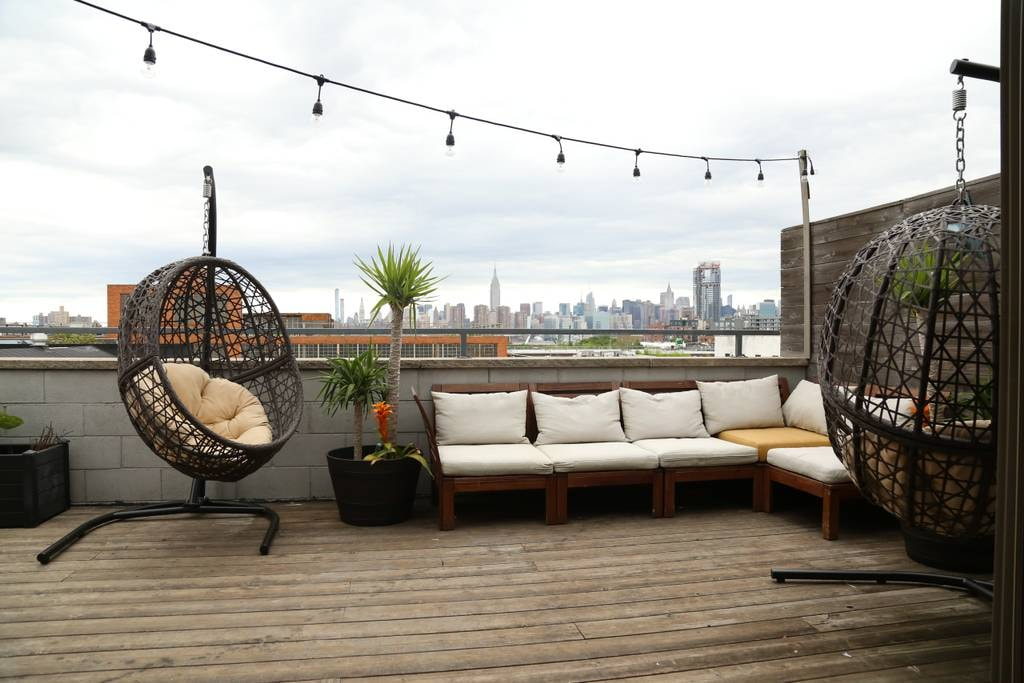 Loft-style penthouse in hipster-haven Williamsburg | Courtesy of Harley/Airbnb