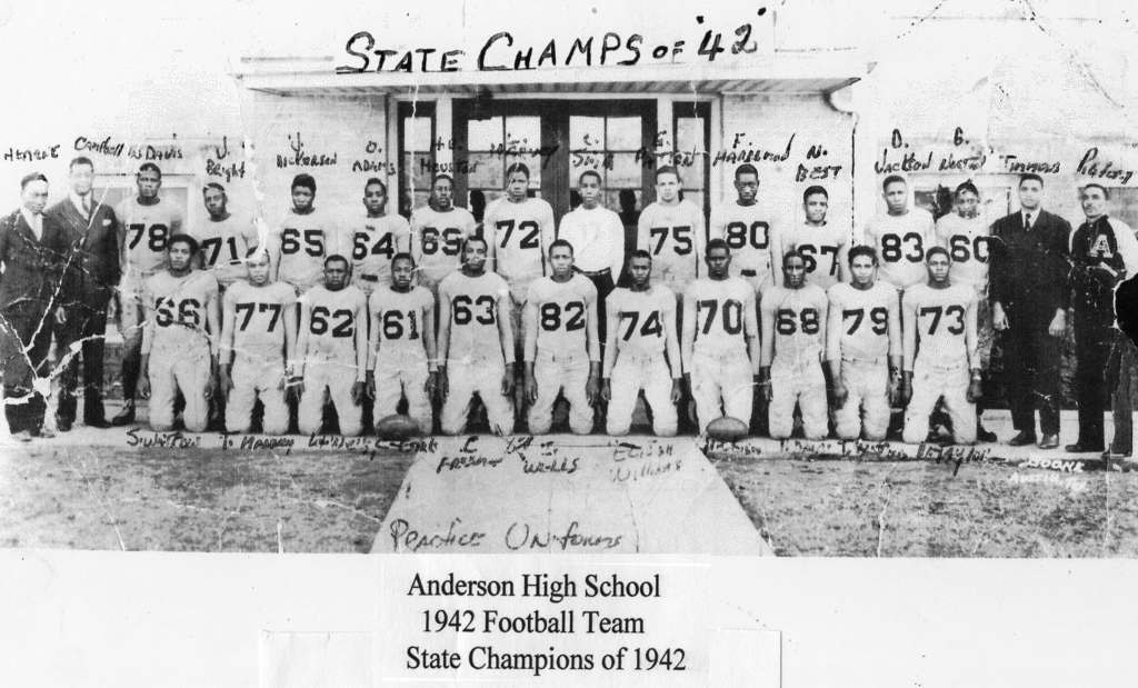 In the first six seasons of the PVIL's structured playoffs, William Pigford led Anderson to the 2A state finals three times, winning in 1942 | © Texas University Press