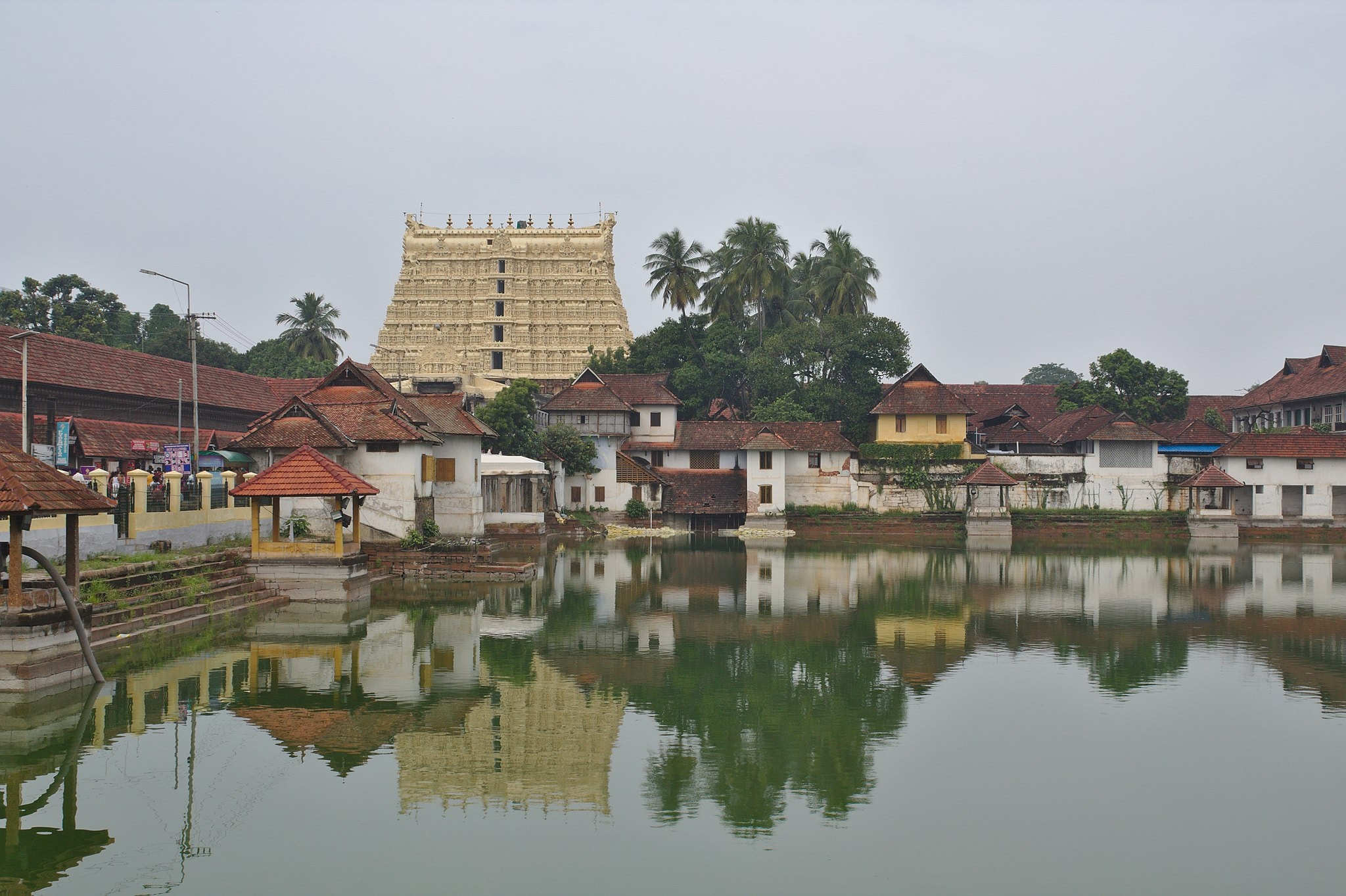 1.padmanabhswamy_temple_