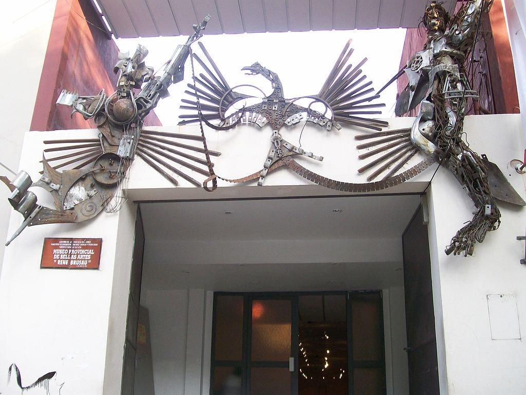 1024px-Facade_of_Fine_Arts_Museum_in_Resistencia,_Argentina