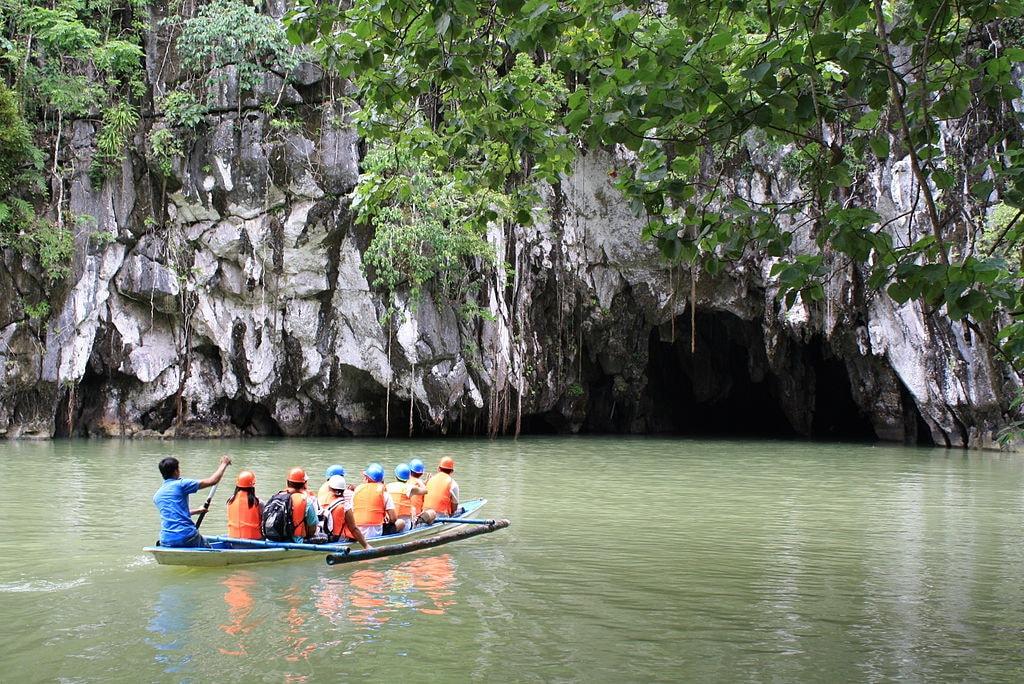 1024px-Puerto_Princesa_Underground_River