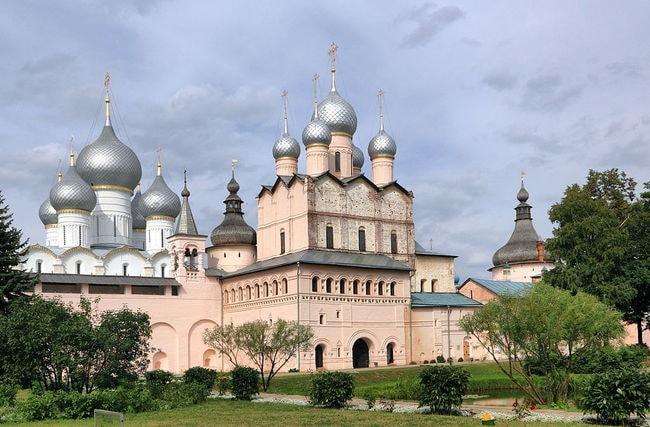 1024px-Rostov_Rostov_Kremlin_Church_of_the_Resurrection_of_Christ_IMG_0851_1725
