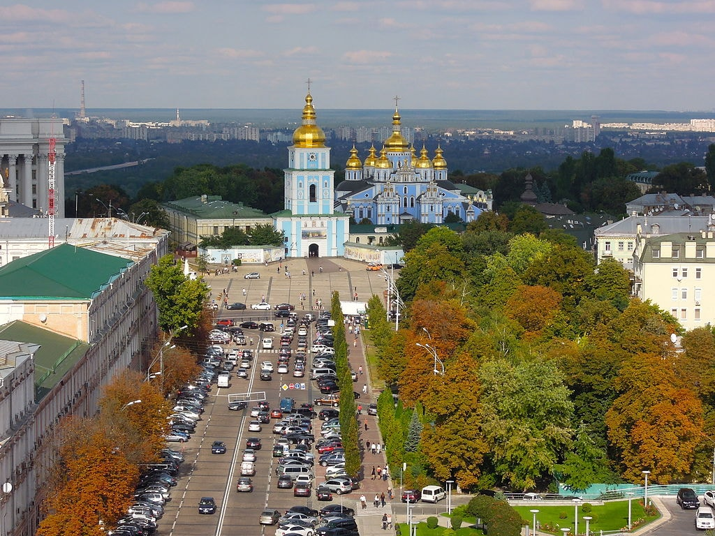 1024px-View_from_the_St._Sophia's_Cathedral_-_Kiev